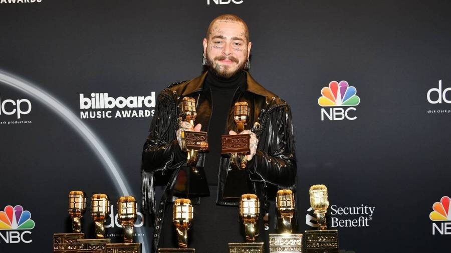 Post Malone Toasts To 9 Wins At 2020 Billboard Music Awards As Killer Mike Accepts Change Maker Award With $1M Donation | HipHopDX